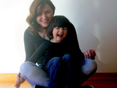 Ela decidiu ajudar outras mães depois que descobriu que o filho tem autismo