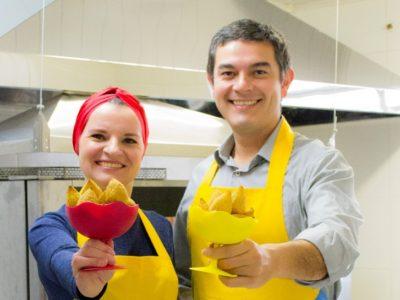 O casal que vendeu mais de uma tonelada de coxinha sem glúten, em menos de um ano