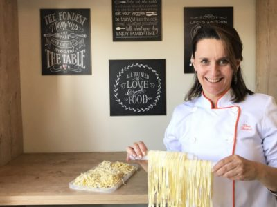 Para fazer o que ama, a administradora de empresas decidiu trabalhar com gastronomia