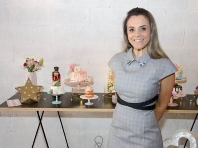 A psicopedagoga transformou a paixão por bolos e doces em profissão