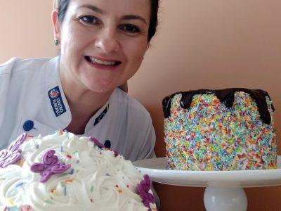 Para essa cake designer saber calcular o valor correto de um bolo é um dos segredos do sucesso