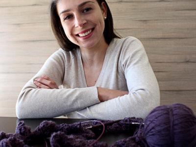 O talento para fazer tricô se transformou no Plano B da jornalista