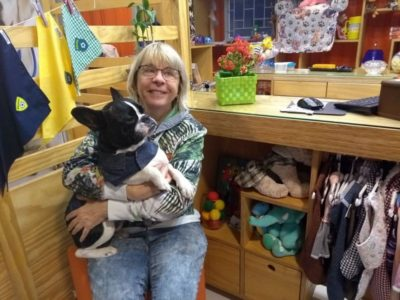 A confecção de roupas para pets foi essencial em um momento de crise na família
