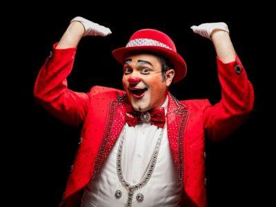 Estudou veterinária, mas decidiu que queria mesmo ser palhaço de circo