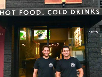 O advogado e o publicitário decidiram empreender juntos com um bar